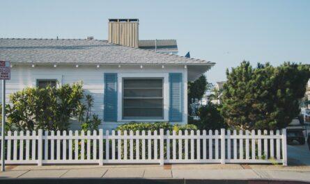 Bungalovy jsou často využívané typy rodinných domů.